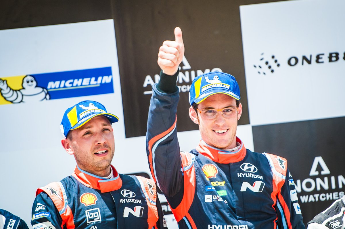Neuville beats Ogier by seven-tenths of a second in Sardinia!